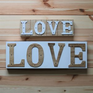 "LED Schild ""Love"", klein"